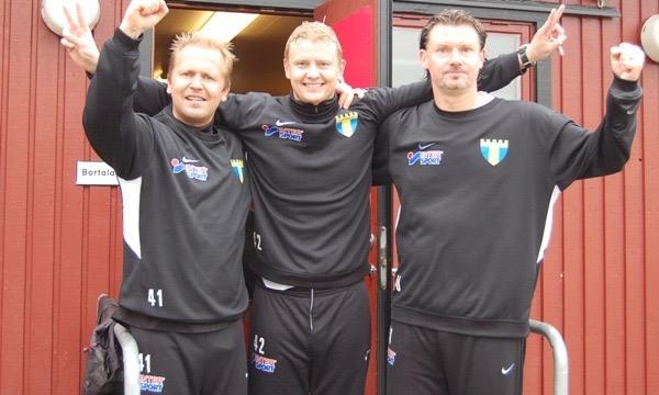 Bild efter första seriesegern som tränare i Torn. Det skulle bli två till innan Ringhov nu lämnar som huvudtränare.